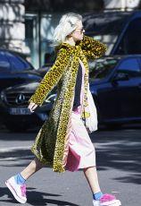 london-fashion-week-2017-september-street-style-235530-1505577871010-image.600x0c
